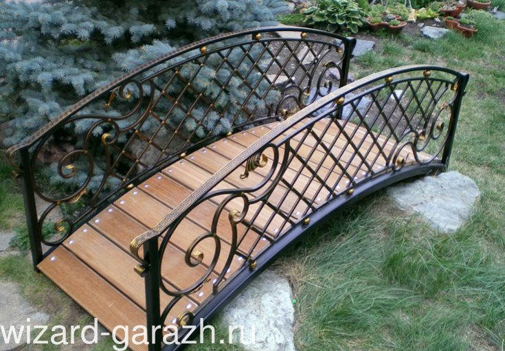 Декоративные кованые мостики для сада, фото